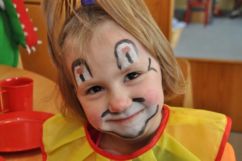 Zeit für die fünfte Jahreszeit in Oythe. Der Karneval im Kindergarten und in der Krippe macht allen mächtig Spaß.