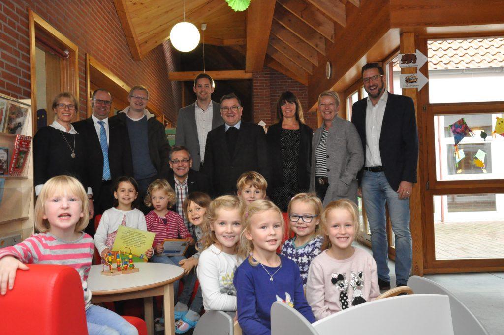 Kindergarten St. Marien Oythe, Spendenübergabe Kinderlounge mit Bücherecke